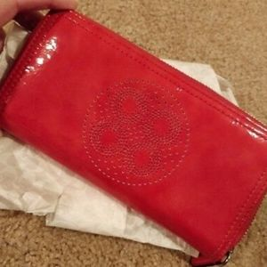 COACH PERFORATED C PATENT LEATHER WALLET CORAL